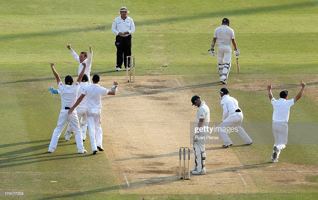 <a gi-track='captionPersonalityLinkClicked' href=/galleries/search?phrase=Graeme+Swann&family=editorial&specificpeople=578767 ng-click='$event.stopPropagation()'>Graeme Swann</a> of England celebrates after taking the final wicket of <a gi-track='captionPersonalityLinkClicked' href=/galleries/search?phrase=James+Pattinson&family=editorial&specificpeople=4884816 ng-click='$event.stopPropagation()'>James Pattinson</a> of Australia to claim victory during day four of the 2nd Investec Ashes Test match between England and Australia at Lord's Cricket Ground on July 21, 2013 in London, England.