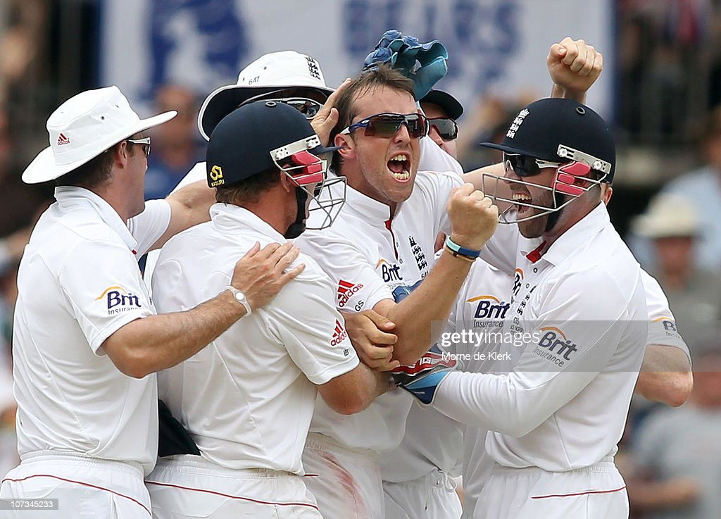 <a gi-track='captionPersonalityLinkClicked' href=/galleries/search?phrase=Graeme+Swann&family=editorial&specificpeople=578767 ng-click='$event.stopPropagation()'>Graeme Swann</a> of England celebrates after taking the wicket of Ricky Ponting of Australia during day four of the Second Ashes Test match between Australia and England at Adelaide Oval on December 6, 2010 in Adelaide, Australia.