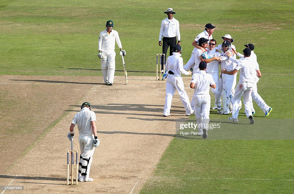 <a gi-track='captionPersonalityLinkClicked' href=/galleries/search?phrase=Graeme+Swann&family=editorial&specificpeople=578767 ng-click='$event.stopPropagation()'>Graeme Swann</a> of England celebrates after taking the wicket of Steve Smith of Australia during day four of the 1st Investec Ashes Test match between England and Australia at Trent Bridge Cricket Ground on July 13, 2013 in Nottingham, England.