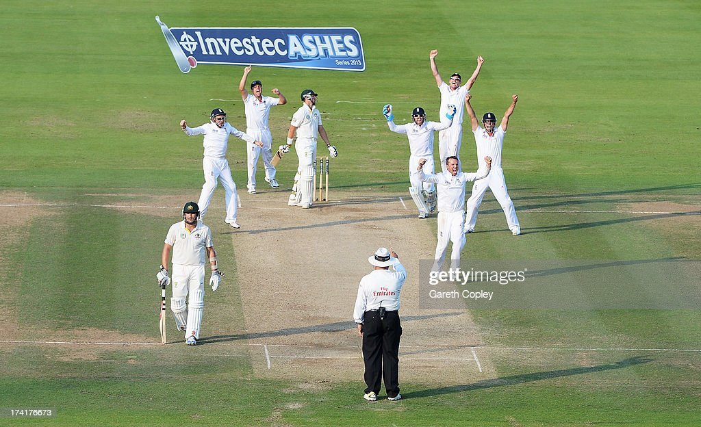 <a gi-track='captionPersonalityLinkClicked' href=/galleries/search?phrase=Graeme+Swann&family=editorial&specificpeople=578767 ng-click='$event.stopPropagation()'>Graeme Swann</a> of England celebrates taking the final wicket of <a gi-track='captionPersonalityLinkClicked' href=/galleries/search?phrase=James+Pattinson&family=editorial&specificpeople=4884816 ng-click='$event.stopPropagation()'>James Pattinson</a> of Australia giving England victory during day four of the 2nd Investec Ashes Test match between England and Australia at Lord's Cricket Ground on July 21, 2013 in London, England.