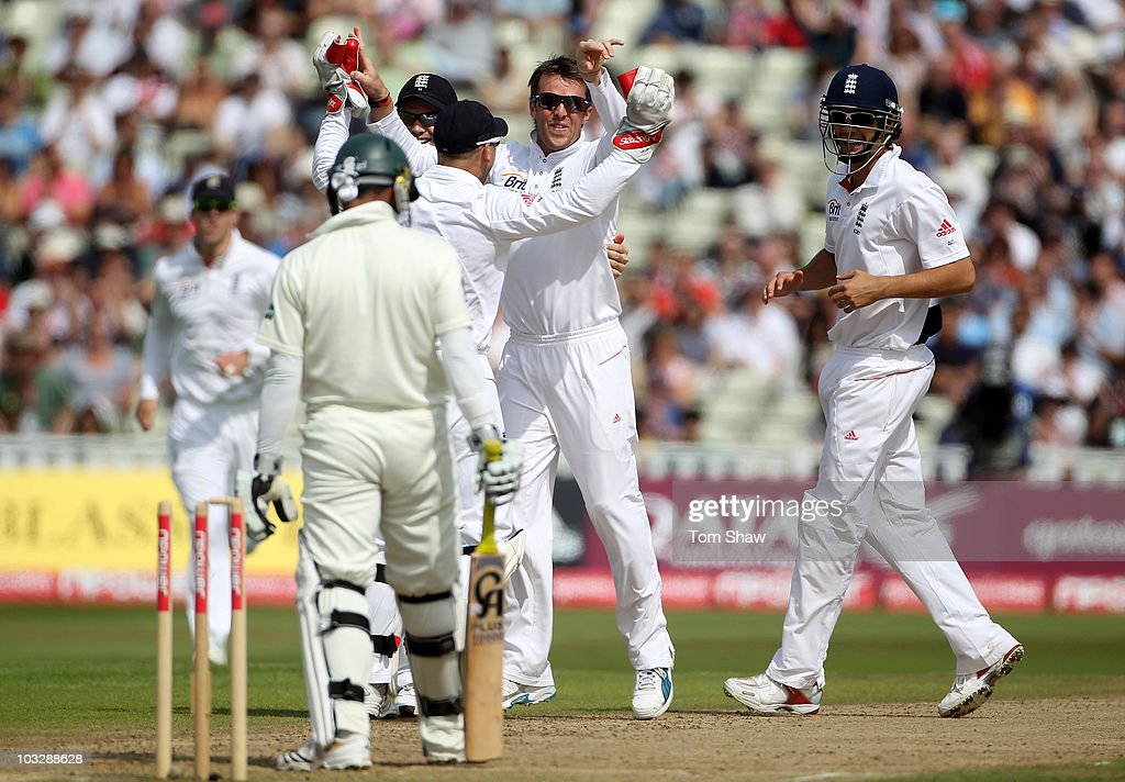 Graeme Swann of England celebrates taking the wicket of Imran Farhat of Pakistan during day three of the 2nd npower Test Match between England and Pakistan at Edgbaston on August 8, 2010 in Birmingham, England.