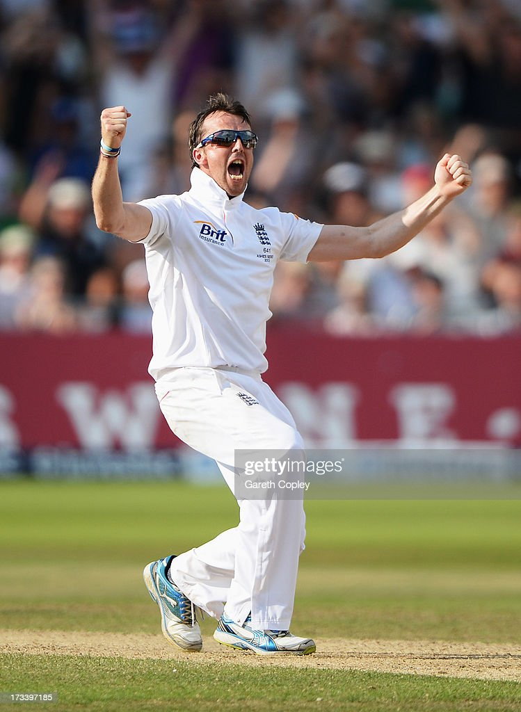 <a gi-track='captionPersonalityLinkClicked' href=/galleries/search?phrase=Graeme+Swann&family=editorial&specificpeople=578767 ng-click='$event.stopPropagation()'>Graeme Swann</a> of England celebrates the wicket of Steve Smith of Australia during day four of the 1st Investec Ashes Test match between England and Australia at Trent Bridge Cricket Ground on July 13, 2013 in Nottingham, England.