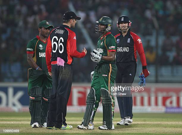 Graeme Swann of England has words with Shakib Al Hasan of Bangladesh during the 2011 ICC World Cup Group B match between Bangladesh and England at...