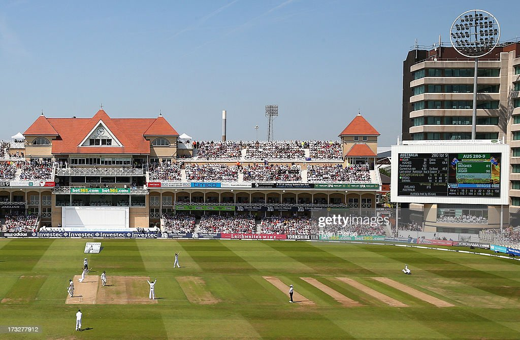 <a gi-track='captionPersonalityLinkClicked' href=/galleries/search?phrase=Graeme+Swann&family=editorial&specificpeople=578767 ng-click='$event.stopPropagation()'>Graeme Swann</a> of England takes a catch off the bowling of <a gi-track='captionPersonalityLinkClicked' href=/galleries/search?phrase=Stuart+Broad&family=editorial&specificpeople=574360 ng-click='$event.stopPropagation()'>Stuart Broad</a> of England to dismiss <a gi-track='captionPersonalityLinkClicked' href=/galleries/search?phrase=Ashton+Agar&family=editorial&specificpeople=9101391 ng-click='$event.stopPropagation()'>Ashton Agar</a> of Australia on 98 runs during day two of the 1st Investec Ashes Test match between England and Australia at Trent Bridge Cricket Ground on July 11, 2013 in Nottingham, England.