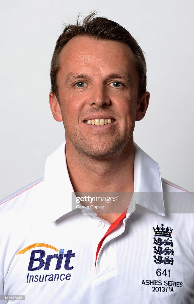 Graeme Swann poses during an England cricket headshots session at the InterContinental Sydney on November 11, 2013 in Sydney, Australia.