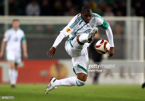 Grafite of Wolfsburg stops the ball during the UEFA Europa League knockout round second leg match between VfL Wolfsburg and Villareal at Volkswagen...