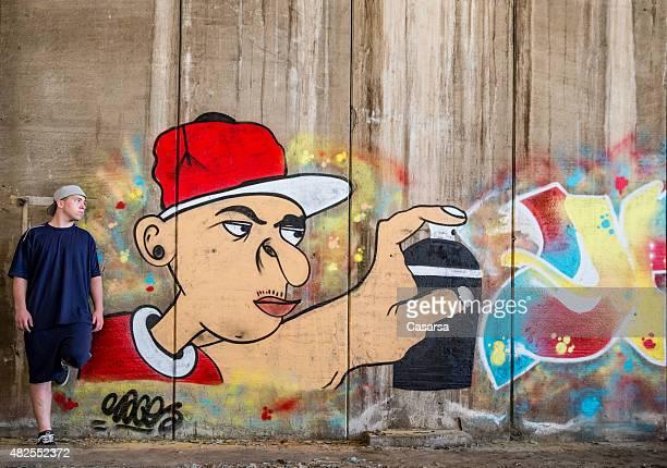 Retrato do artista Grafitti para a criação de mais recente seguinte