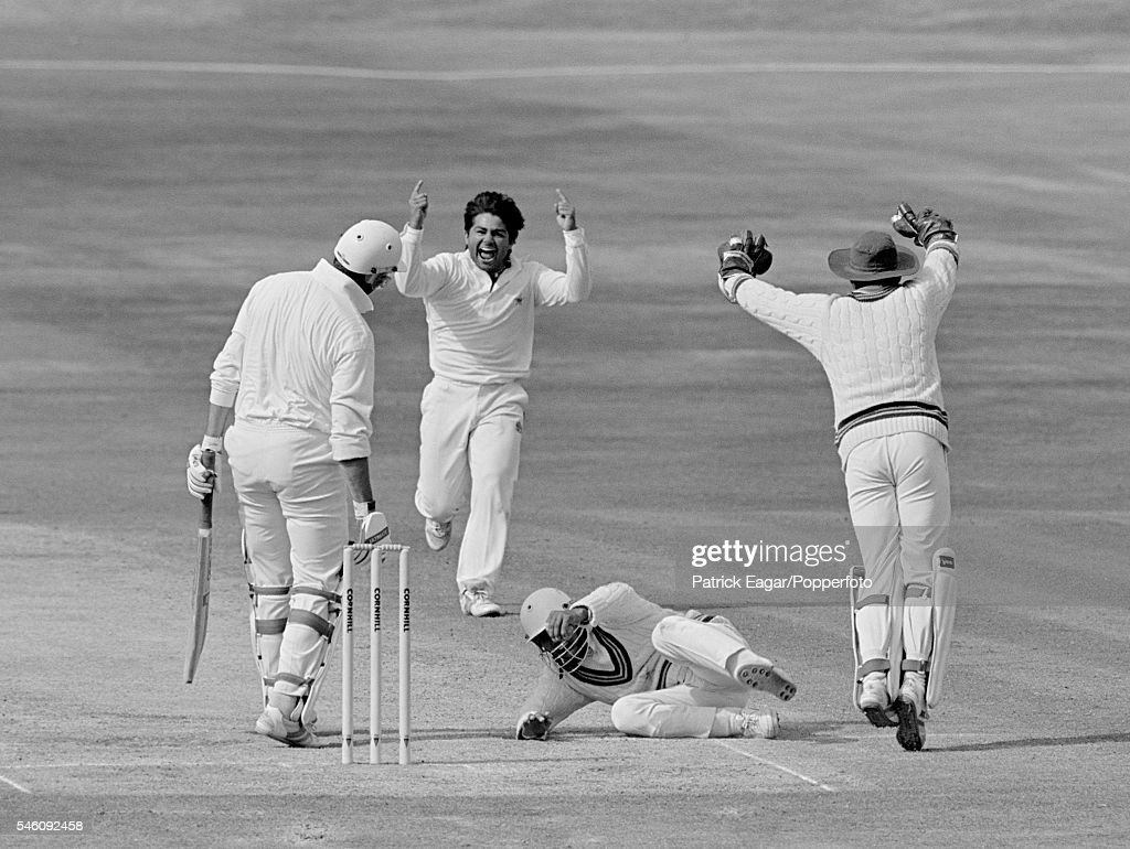Graham Gooch of England is caught by Asif Mujtaba of Pakistan off Mushtaq Ahmed of Pakistan for 37 runs in the second innings of the 4th Test match...