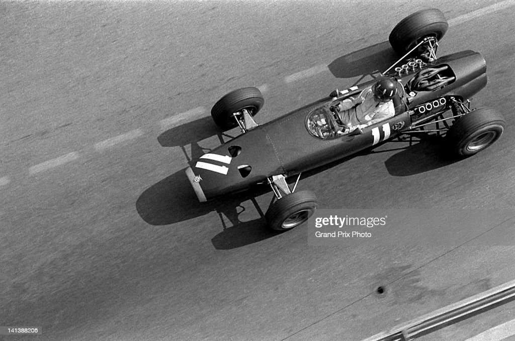 Graham Hill of Great Britain drives the #11 Owen Racing Organisation BRM P261 BRM V8 during the Monaco Grand Prix on 22nd May 1966 on the streets of the Principality of Monaco in Monte Carlo, Monaco