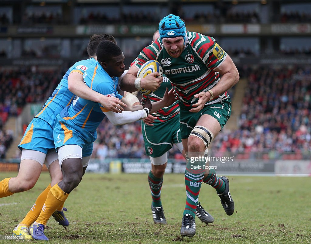 Graham Kitchener of Leicester holds off <a gi-track='captionPersonalityLinkClicked' href=/galleries/search?phrase=Christian+Wade&family=editorial&specificpeople=4948108 ng-click='$event.stopPropagation()'>Christian Wade</a> to score the second try during the Aviva Premiership match between Leicester Tigers and London Wasps at Welford Road on April 14, 2013 in Leicester, England.