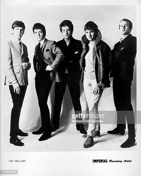 Graham Nash Allan Clarke Tony Hicks Bernie Calvert and Bobby Elliott of the rock band 'The Hollies' pose for a portrait in circa 1965