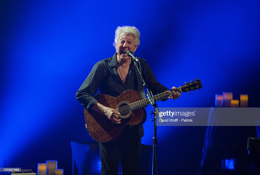 <a gi-track='captionPersonalityLinkClicked' href=/galleries/search?phrase=Graham+Nash&family=editorial&specificpeople=208239 ng-click='$event.stopPropagation()'>Graham Nash</a> performs at La Cigale on May 29, 2016 in Paris, France.