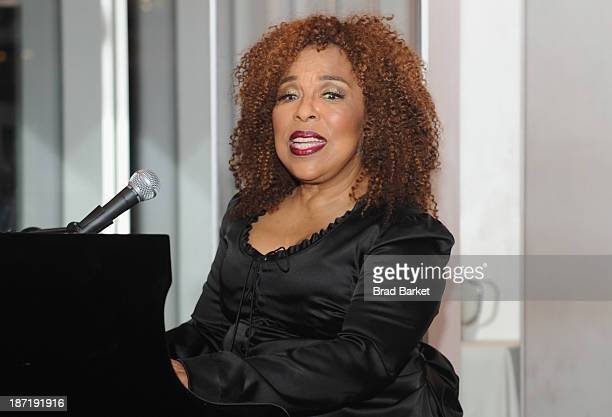 Grammy awardwinning singer songwriter Roberta Flack gives a special performance at the Women's Sports Foundation's 70th Birthday Party For Billie...