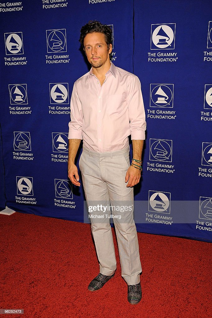 GRAMMY-nominated singer Jason Mraz arrives at the GRAMMY Foundation's 12th Annual Music Preservation Project 'Cue The Music: A Celebration Of Music And Television', held at the Wilshire Ebell Theatre on January 28, 2010 in Los Angeles, California.