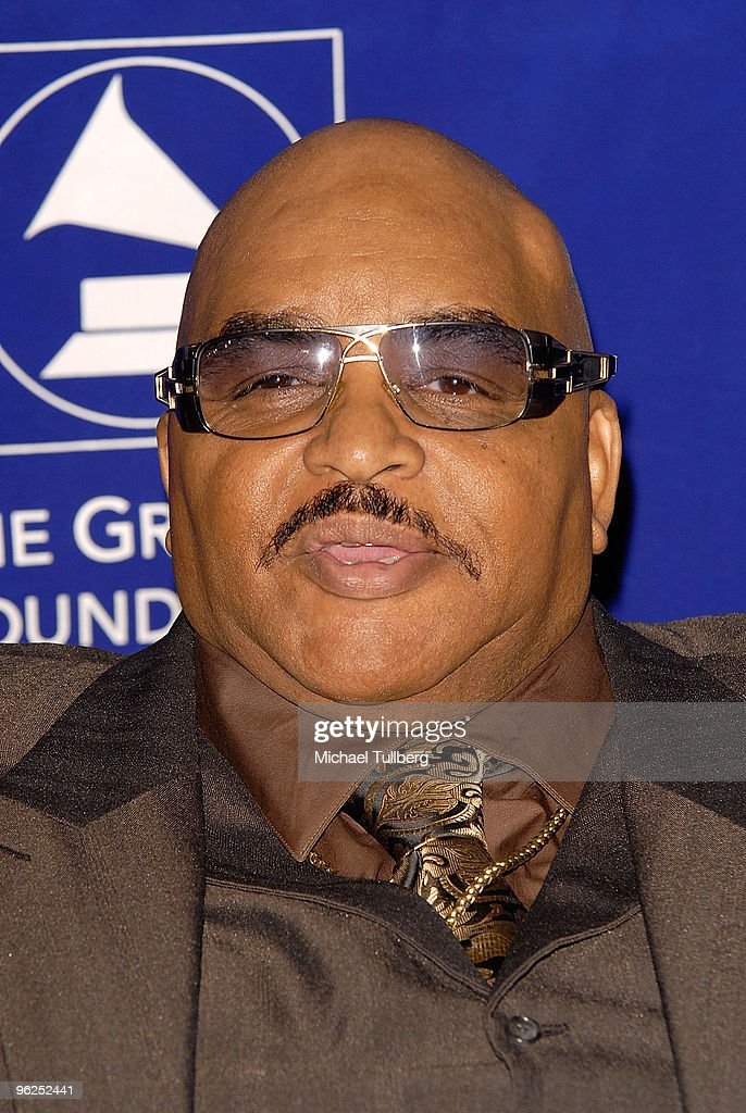 GRAMMY-winning singer/songwriter Solomon Burke arrives at the GRAMMY Foundation's 12th Annual Music Preservation Project 'Cue The Music: A Celebration Of Music And Television', held at the Wilshire Ebell Theatre on January 28, 2010 in Los Angeles, California.