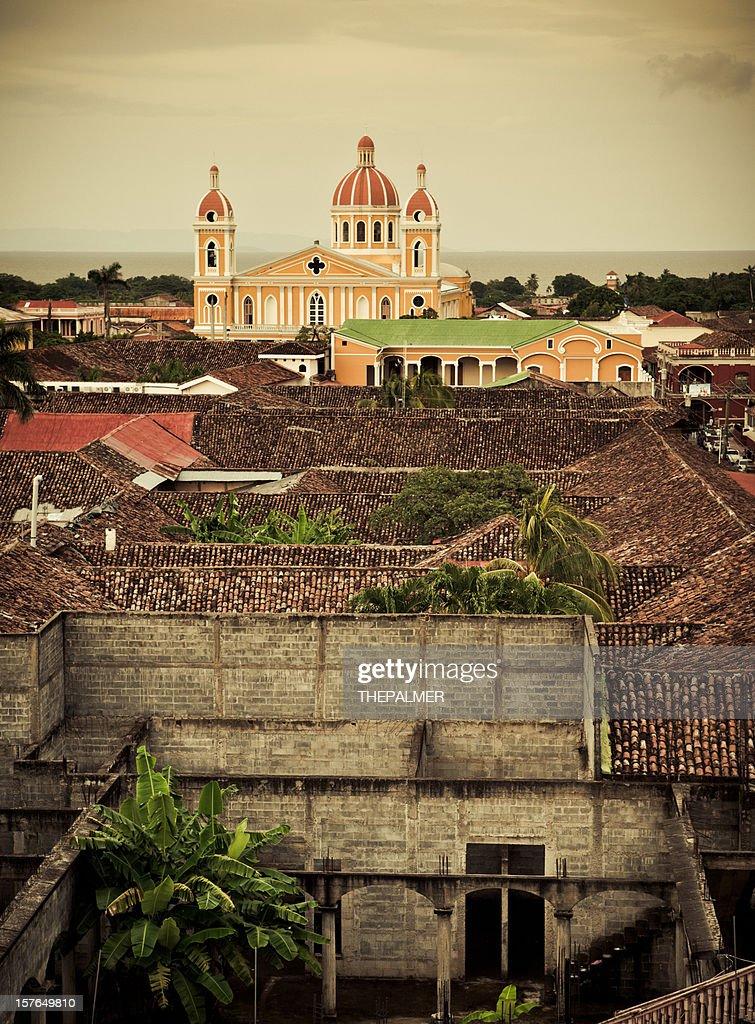 granada colonial town in nicaragua