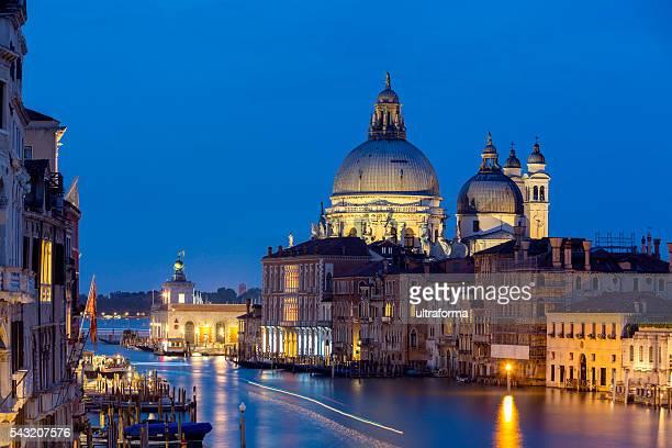Canale Grande e Basilica di Santa Maria della Salute al crepuscolo