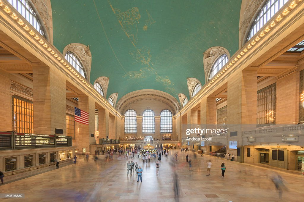 Grand Central station is full of people : Stock Photo