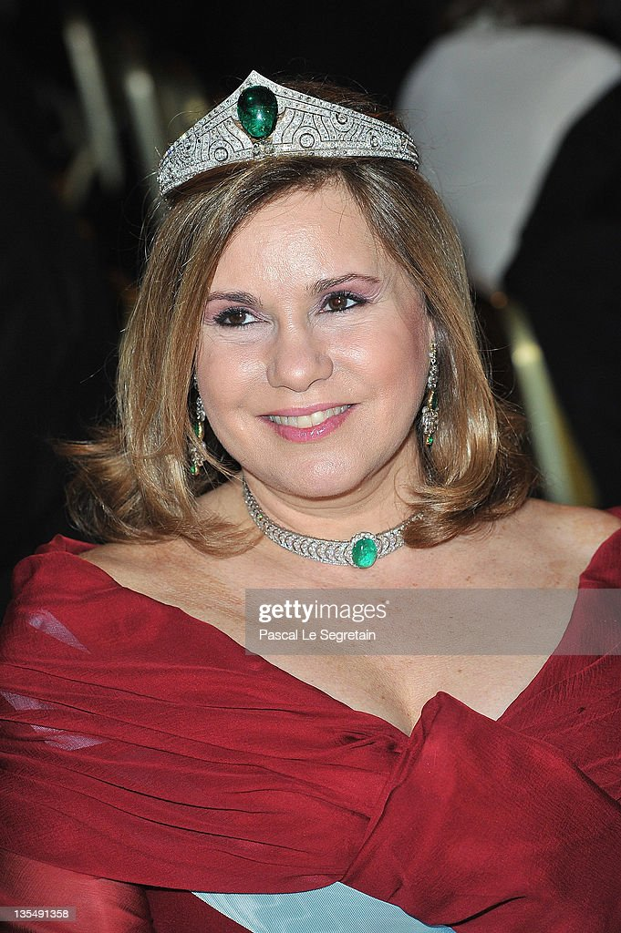 <a gi-track='captionPersonalityLinkClicked' href=/galleries/search?phrase=Grand+Duchess+Maria+Teresa&family=editorial&specificpeople=159000 ng-click='$event.stopPropagation()'>Grand Duchess Maria Teresa</a> of Luxembourg attends the Nobel Banquet at the City Hall on December 10, 2011 in Stockholm, Sweden.