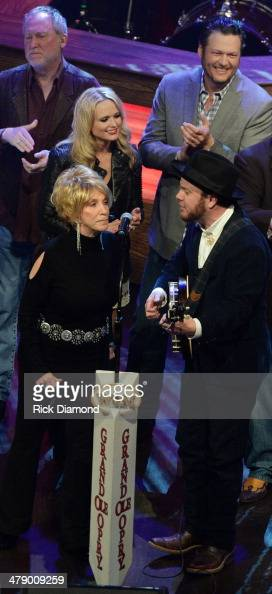 Grand Ole Opry members and friends Jeannie Seely Miranda Lambert Member of Old Crow Medicine Show and Blake Shelton perform during the 40th...