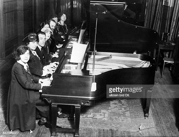 Grand piano concert Grand piano concert for 16 hands in New York from left Ethel Leginska Yolanda Mero Alexander Brailowsky Guimar Nowars Germaine...