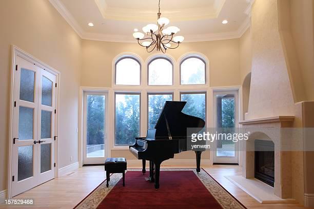 グランドピアノで豪華なリビングルーム