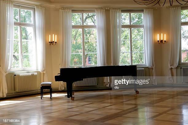 グランドピアノルーム