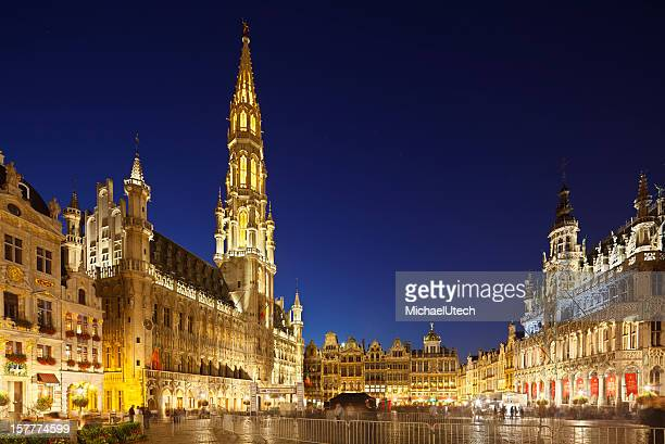 Grand Place In Brüssel bei Nacht