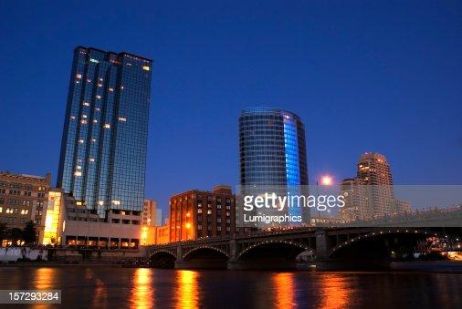 Grand Rio à noite III