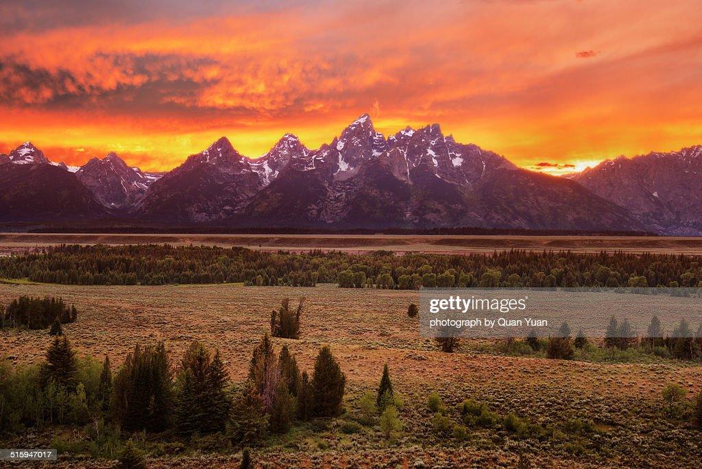 Grand Teton viewpoint sunset