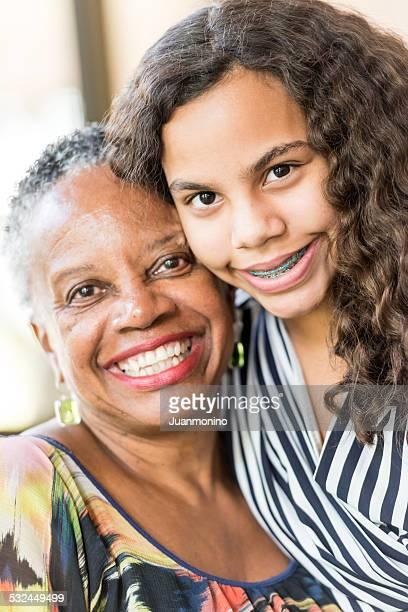 Grand-mère et sa petite-fille