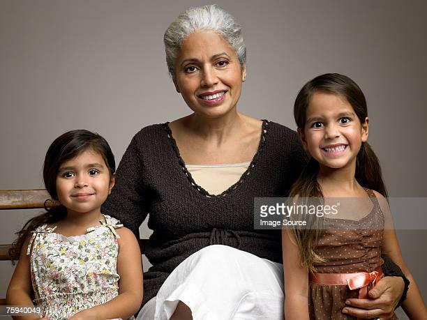 Abuela y granddaughters