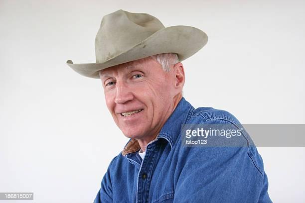 Grandpa dans ses vieux chapeau vieilli et souillés.