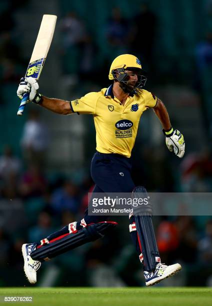 Grant Elliott of Birmingham celebrates victory during the NatWest T20 Blast QuarterFinal between Surrey and Birmingham Bears at The Kia Oval on...