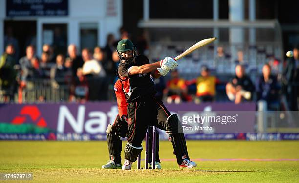 Grant Elliott of Leicestershire Foxes bats during the NatWest T20 Blast match between Leicestershire Foxes and Durham Jets at Grace Road on May 28...