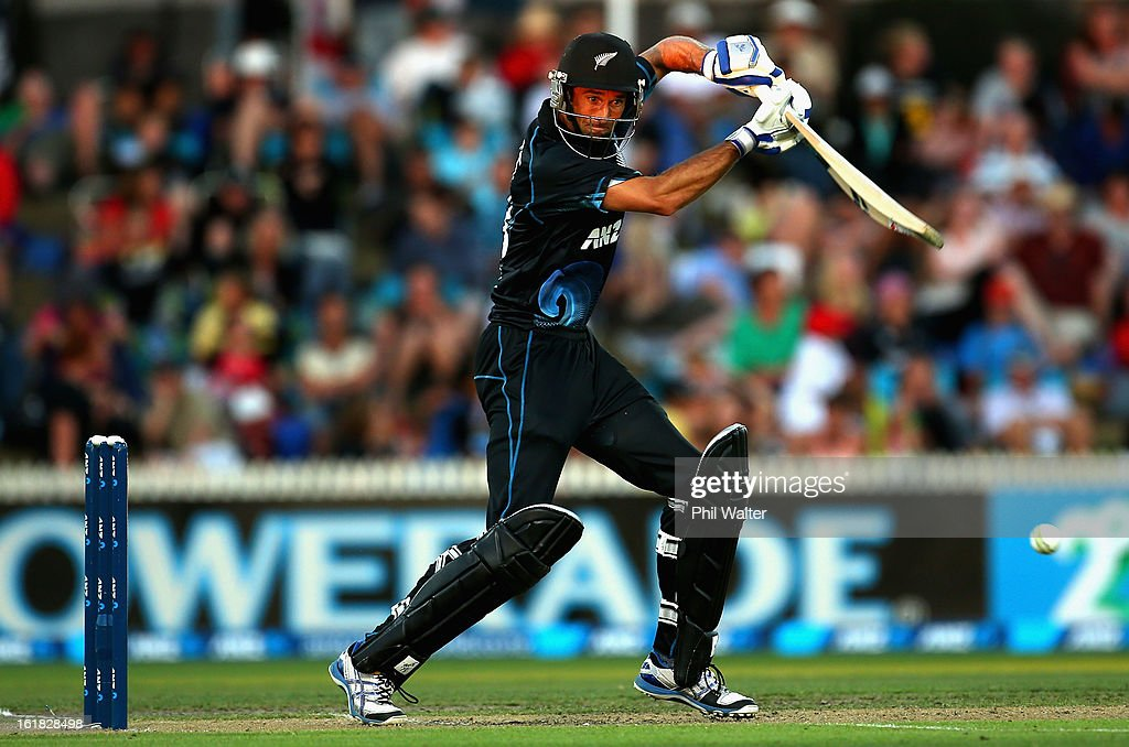 <a gi-track='captionPersonalityLinkClicked' href=/galleries/search?phrase=Grant+Elliott&family=editorial&specificpeople=708027 ng-click='$event.stopPropagation()'>Grant Elliott</a> of New Zealand bats during the first match of the one day international series between New Zealand and England at Seddon Park on February 17, 2013 in Hamilton, New Zealand.
