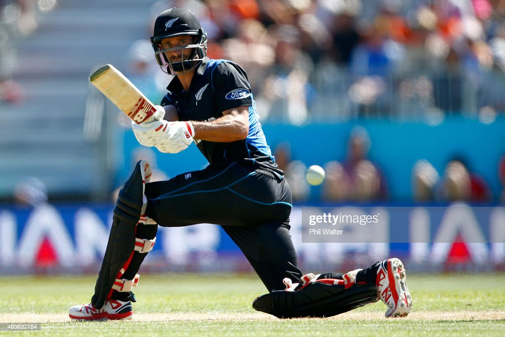 <a gi-track='captionPersonalityLinkClicked' href=/galleries/search?phrase=Grant+Elliott&family=editorial&specificpeople=708027 ng-click='$event.stopPropagation()'>Grant Elliott</a> of New Zealand bats during the ICC Cricket World Cup match between New Zealand and Scotland at University Oval on February 17, 2015 in Dunedin, New Zealand.