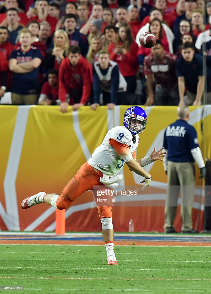<a gi-track='captionPersonalityLinkClicked' href=/galleries/search?phrase=Grant+Hedrick&family=editorial&specificpeople=7159943 ng-click='$event.stopPropagation()'>Grant Hedrick</a> #9 of the Boise State Broncos throws the ball down field against the Arizona Wildcats at University of Phoenix Stadium on December 31, 2014 in Glendale, Arizona.