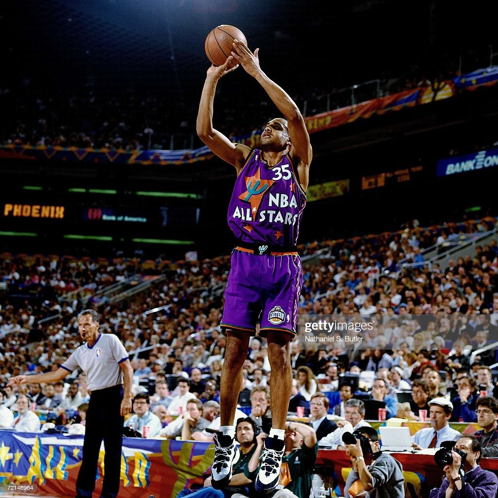 Grant Hill of the Eastern Conference AllStars shoots a jump shot against the Western Conference AllStars during the 1995 NBA AllStar Game played...