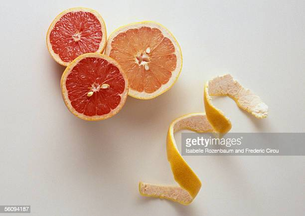 Grapefruit halves and peel