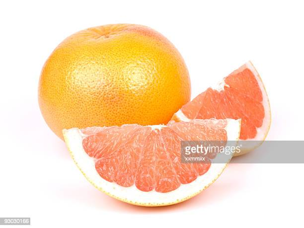 Grapefruit w clipping path