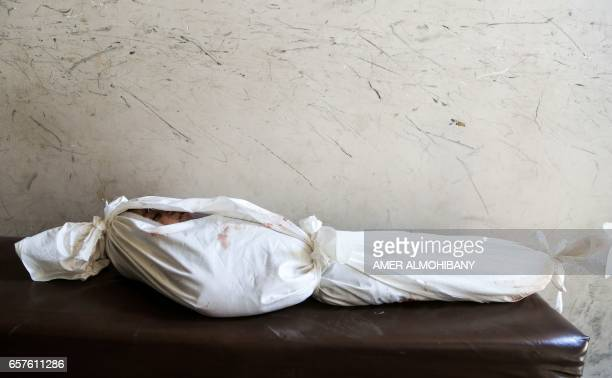 Graphic content / A picture taken on March 25 2017 in the rebelcontrolled town of Hamouria in the eastern Ghouta region on the outskirts of the...