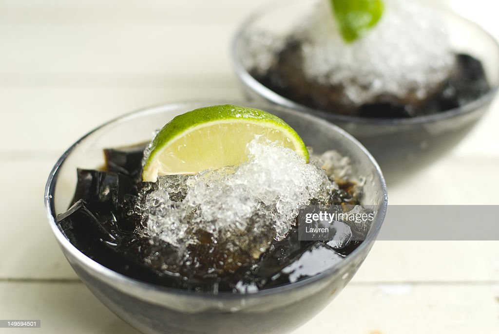Grass jelly with lemon and ice : Stock Photo