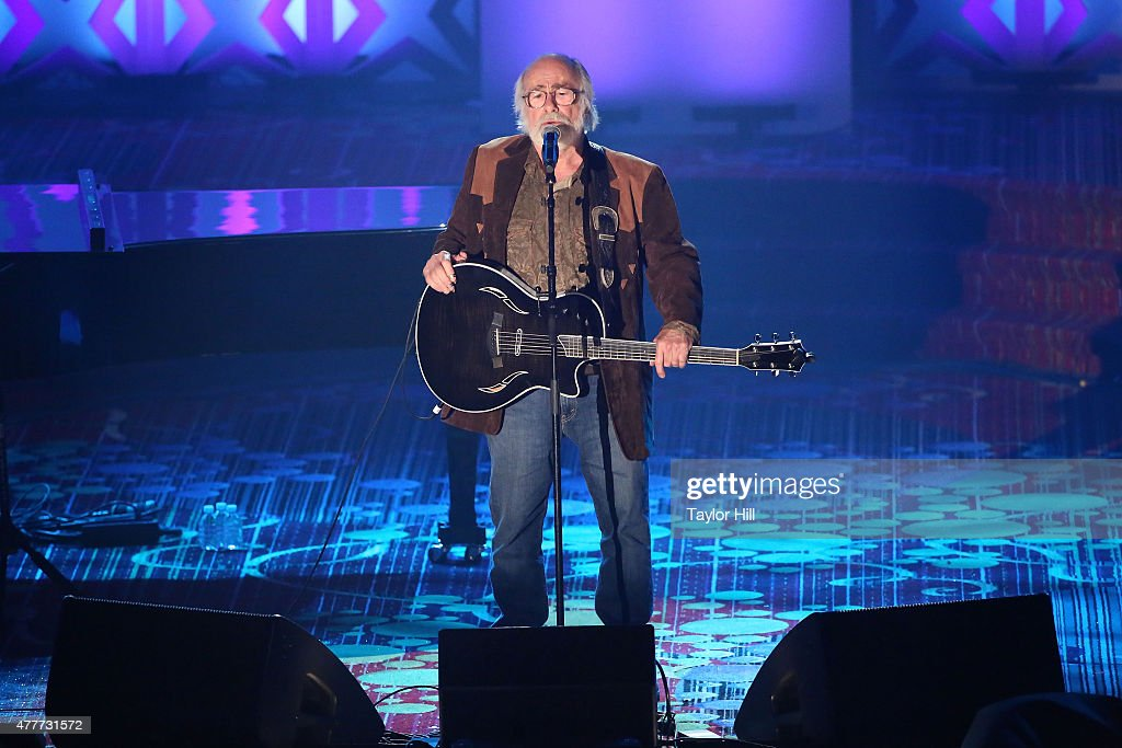 Grateful Dead lyricist Robert Hunter performs 'Ripple' and 'Boys in the Barroom' during the Songwriters Hall Of Fame 46th Annual Induction And Awards...