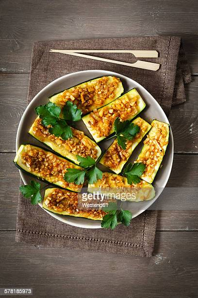 Gratinated sliced courgettes with Chermoula