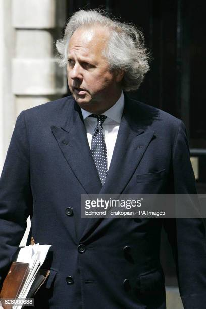 Graydon Carter Editor of Vanity Fair arrives back to the High Court after lunch Roman Polanski sued for libel today over a claim that he 'went on the...