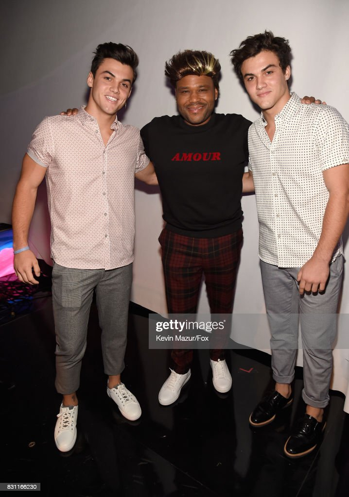 grayson-dolan-anthony-anderson-and-ethan-dolan-attend-teen-choice-picture-id831166230