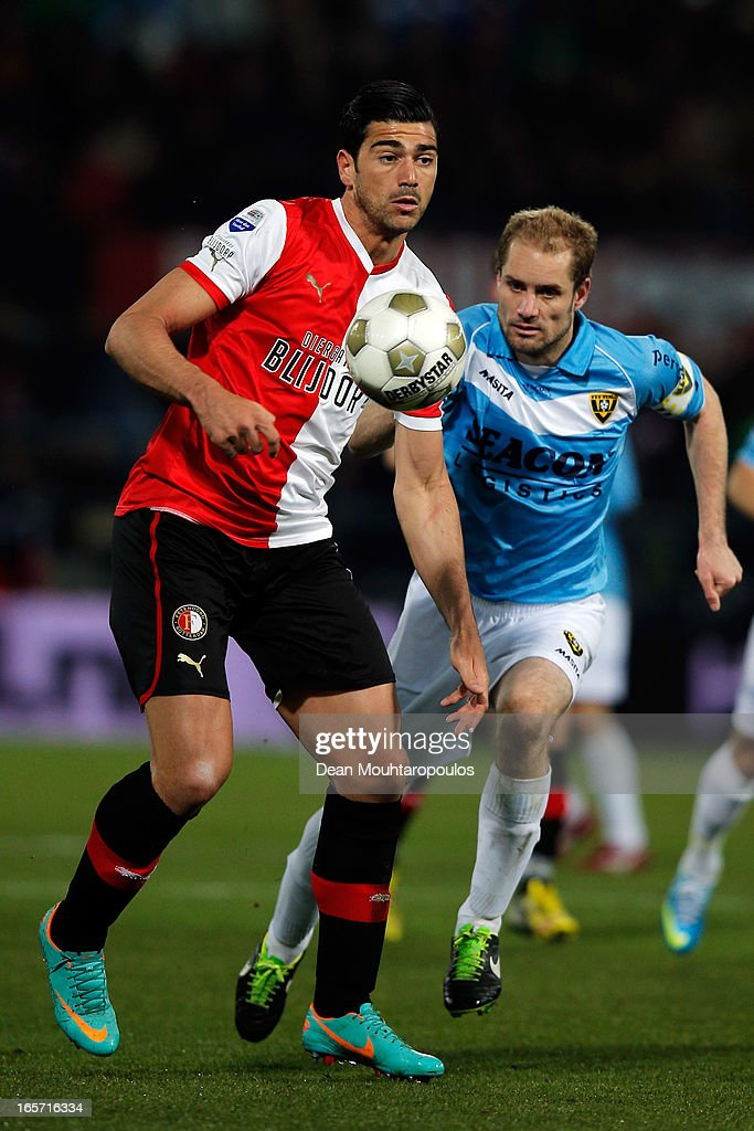 <a gi-track='captionPersonalityLinkClicked' href=/galleries/search?phrase=Graziano+Pelle&family=editorial&specificpeople=2333390 ng-click='$event.stopPropagation()'>Graziano Pelle</a> of Feyenoord battles for the ball with Marcel Seip of Venlo during the Eredivisie match between Feyenoord and VVV Venlo at De Kuip on April 5, 2013 in Rotterdam, Netherlands.