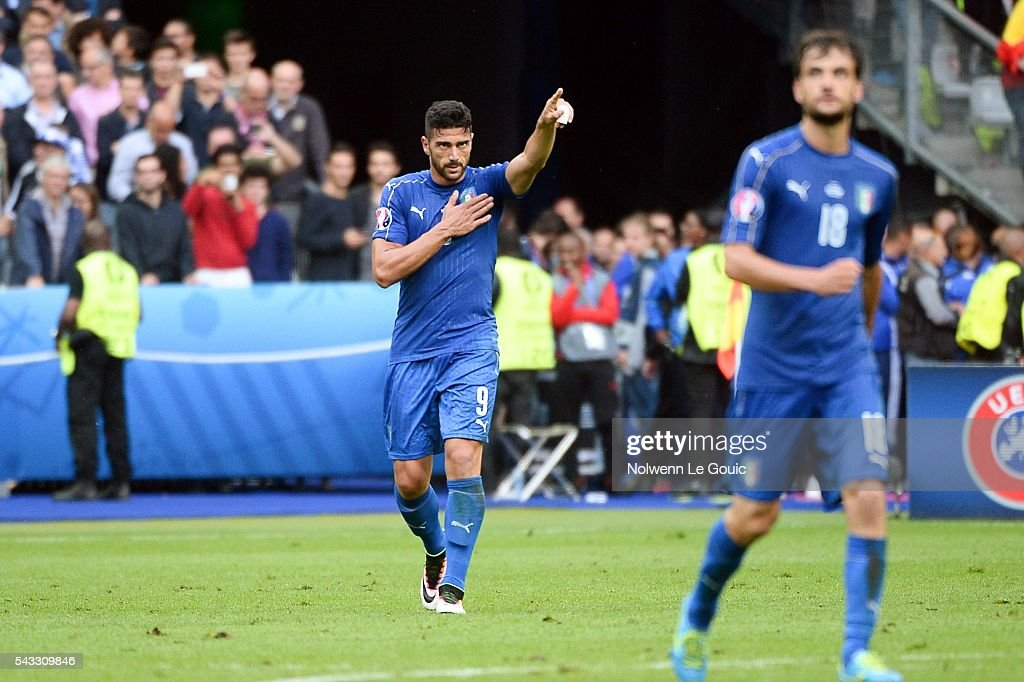 Graziano Pelle of Italy celebrates his goal during the European Championship match Round of 16 between Italy and Spain at Stade de France on June 27, 2016 in Paris, France.