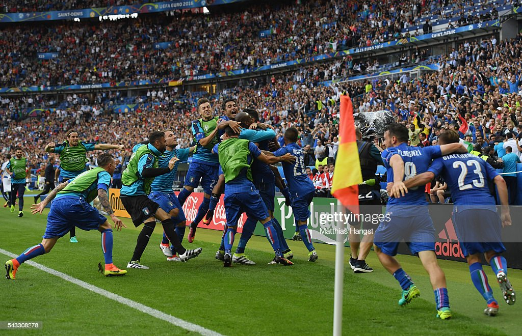 Graziano Pelle (obscured) of Italy celebrates scoring his team's second goal with his team mates during the UEFA EURO 2016 round of 16 match between Italy and Spain at Stade de France on June 27, 2016 in Paris, France.